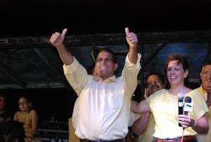 Karel Maduro Informando su pueblo